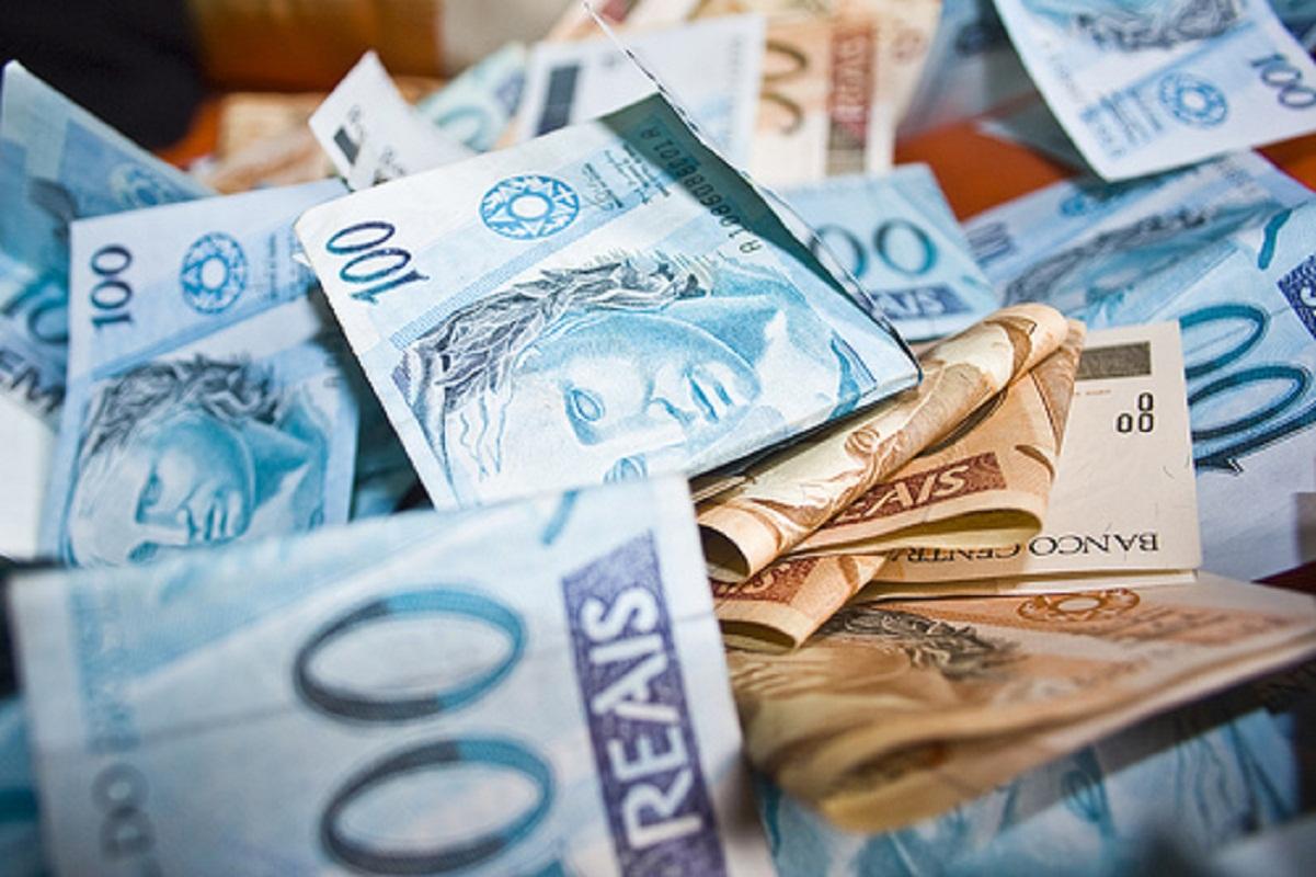 dinheiro-2176116.jpg